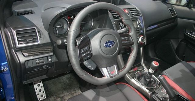 2014 Subaru WRX STI 2.5i  第8張相片