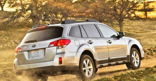 2013 Subaru Outback 2.5i  第6張相片