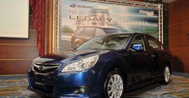 2011 Subaru Legacy Sedan 2.5i  第2張相片