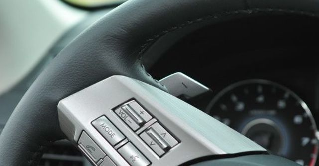 2011 Subaru Legacy Sedan 2.5i  第7張相片
