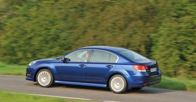 2010 Subaru Legacy Sedan 2.0i  第5張相片