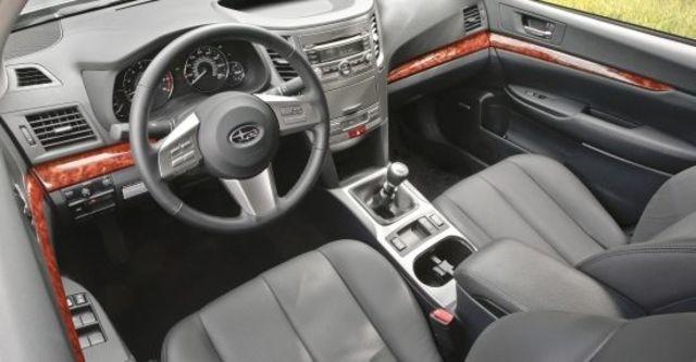 2010 Subaru Legacy Sedan 2.0i  第6張相片