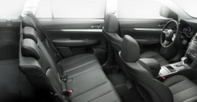 2010 Subaru Legacy Sedan 2.0i  第7張相片