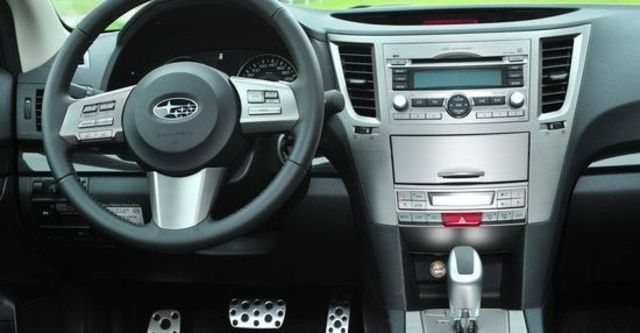 2010 Subaru Legacy Wagon 2.5GT  第7張相片