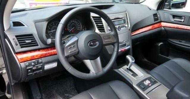 2010 Subaru Outback 2.5i  第6張相片