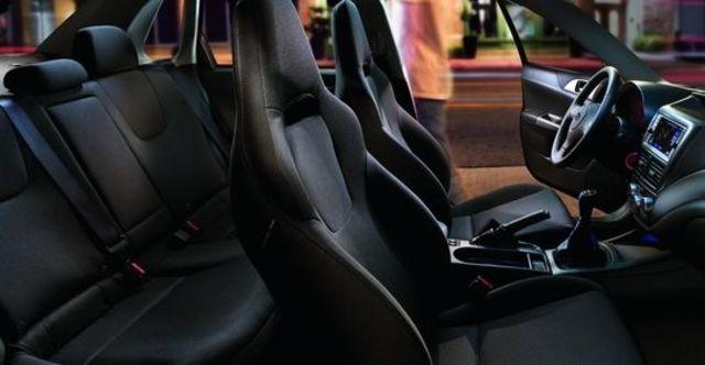 2009 Subaru Impreza WRX 4D  第7張相片