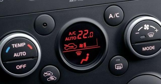2011 Suzuki Grand Vitara JP 2.4  第7張相片
