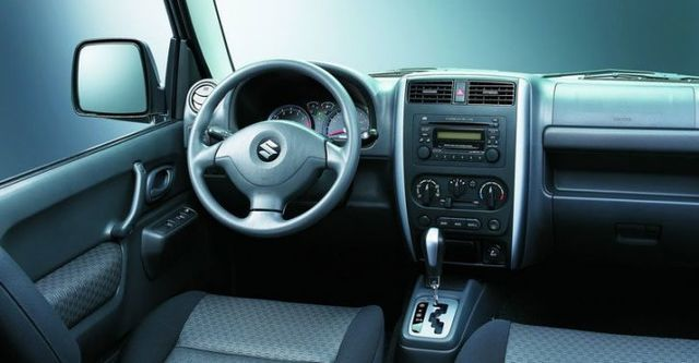 2010 Suzuki Jimny 1.5  第7張相片
