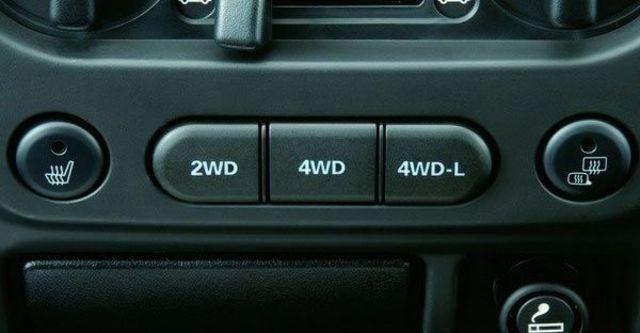 2010 Suzuki Jimny 1.5  第10張相片