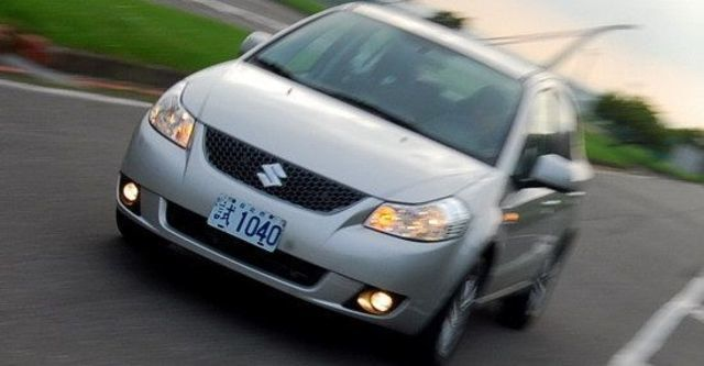 2010 Suzuki SX-4 Sedan GLX  第3張相片