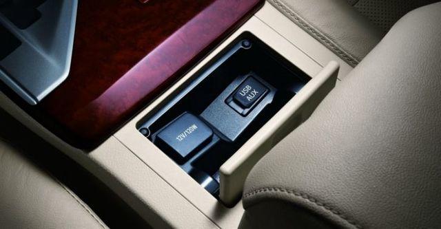 2015 Toyota Camry 2.0 E  第8張相片