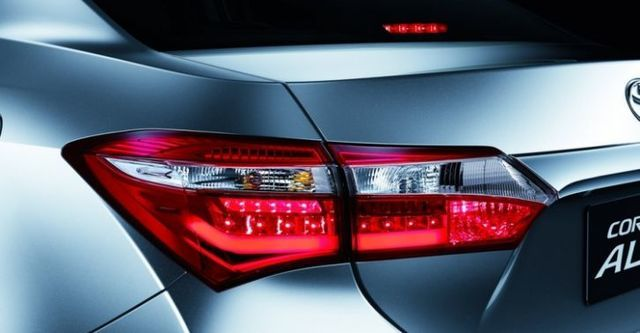 2015 Toyota Corolla Altis 1.8雅緻版  第6張相片