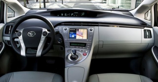 2015 Toyota Prius 1.8 E  第8張相片