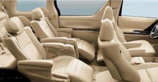 2013 Toyota Alphard 2.4  第10張相片