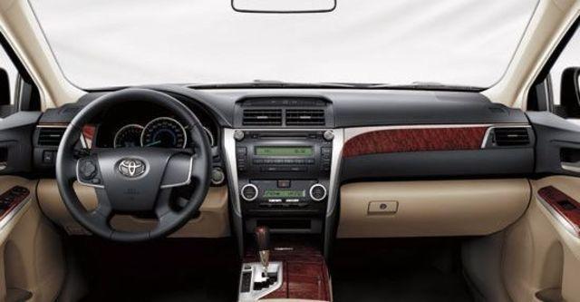 2013 Toyota Camry 2.0 E  第8張相片