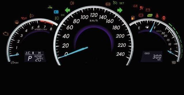 2013 Toyota Camry 2.0 E  第10張相片