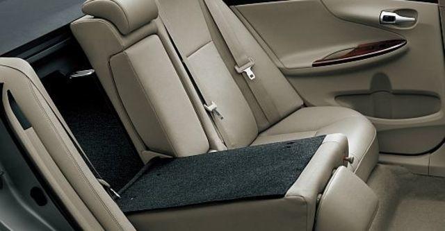 2013 Toyota Corolla Altis 1.8 E經典版  第9張相片