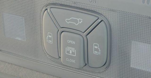 2013 Toyota Previa 2.4豪華版  第8張相片