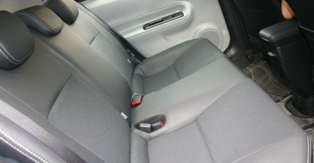 2013 Toyota Prius c 1.5  第8張相片