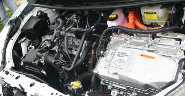 2013 Toyota Prius c 1.5  第10張相片