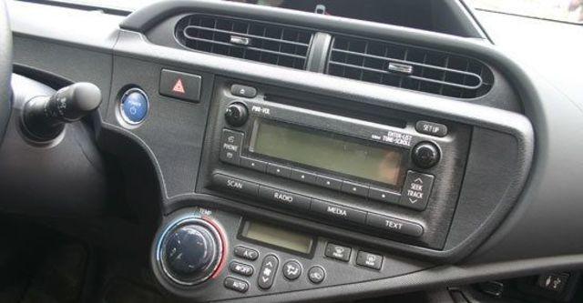 2013 Toyota Prius c 1.5  第13張相片