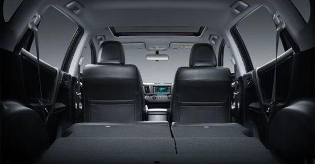 2013 Toyota RAV4 2.0 E  第8張相片