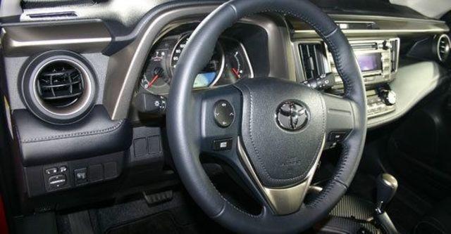 2013 Toyota RAV4 2.0 E Hi  第8張相片