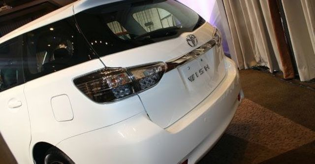 2013 Toyota Wish 2.0雅緻  第3張相片