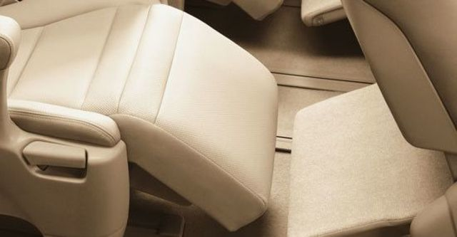 2012 Toyota Alphard 3.5  第10張相片
