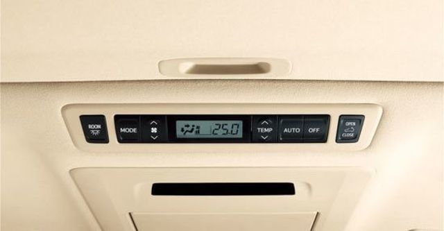 2012 Toyota Alphard 3.5  第13張相片