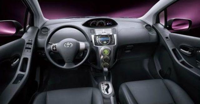 2012 Toyota Yaris 1.5 E Fabric  第4張相片