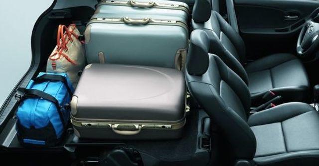 2012 Toyota Yaris 1.5 E Fabric  第7張相片