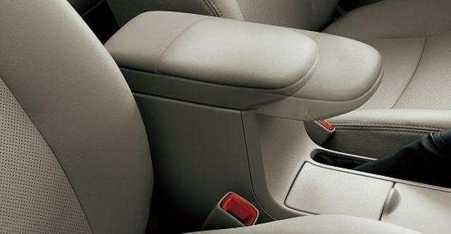 2011 Toyota Corolla Altis 1.8 E  第8張相片