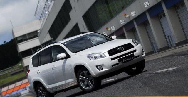 2011 Toyota RAV4 2.4 J  第2張相片