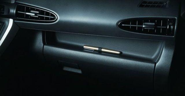 2011 Toyota Wish 2.0 E  第11張相片