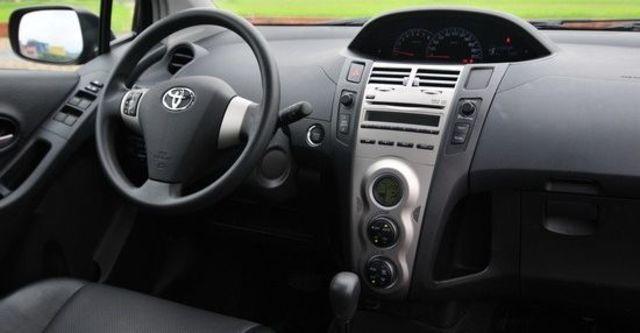 2011 Toyota Yaris 1.5 E  第4張相片