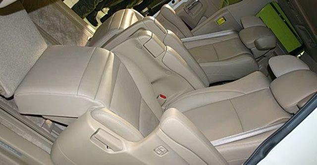 2010 Toyota Alphard 2.4  第6張相片