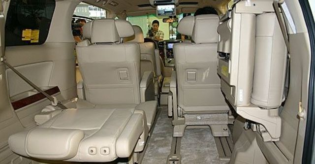 2010 Toyota Alphard 2.4  第8張相片