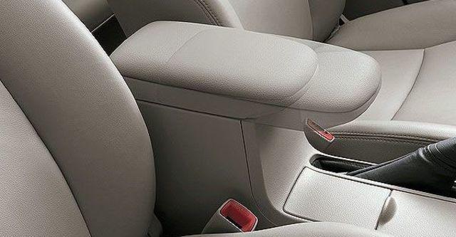 2010 Toyota Corolla Altis 1.8 J經典版  第8張相片