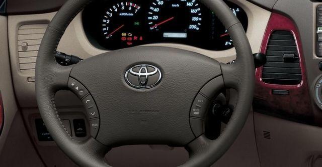 2010 Toyota Innova 2.7 E  第5張相片