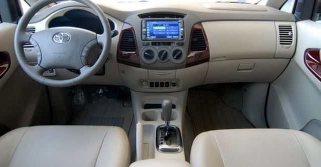 2010 Toyota Innova 2.7 G  第16張相片
