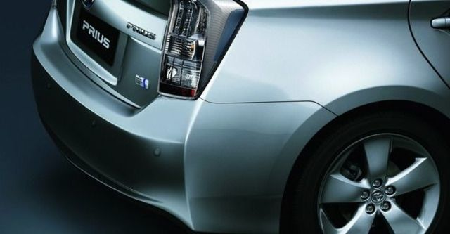2010 Toyota Prius 1.8  第14張相片