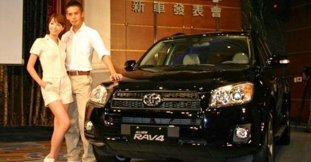 2010 Toyota RAV4 2.4 E  第2張相片