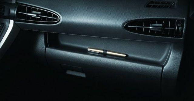 2010 Toyota Wish 2.0 G  第11張相片