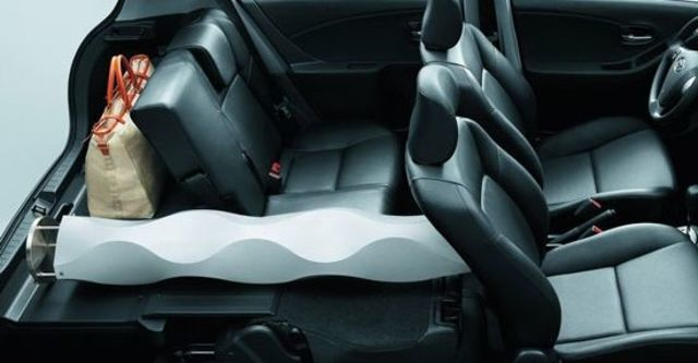2010 Toyota Yaris 1.5 G Fabric  第5張相片