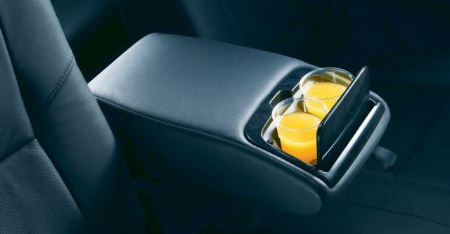 2009 Toyota Wish 2.0 Z  第8張相片
