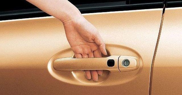2008 Toyota Yaris 1.5 E  第8張相片