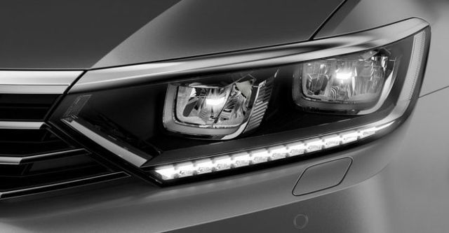 2015 Volkswagen Passat Sedan 330 TSI BMT HL  第2張相片