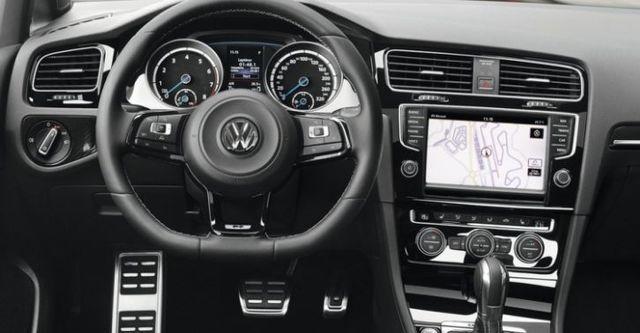 2014 Volkswagen Golf R  第8張相片