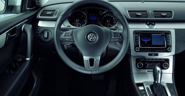 2014 Volkswagen Passat Sedan 2.0 TDI BlueMotion  第7張相片